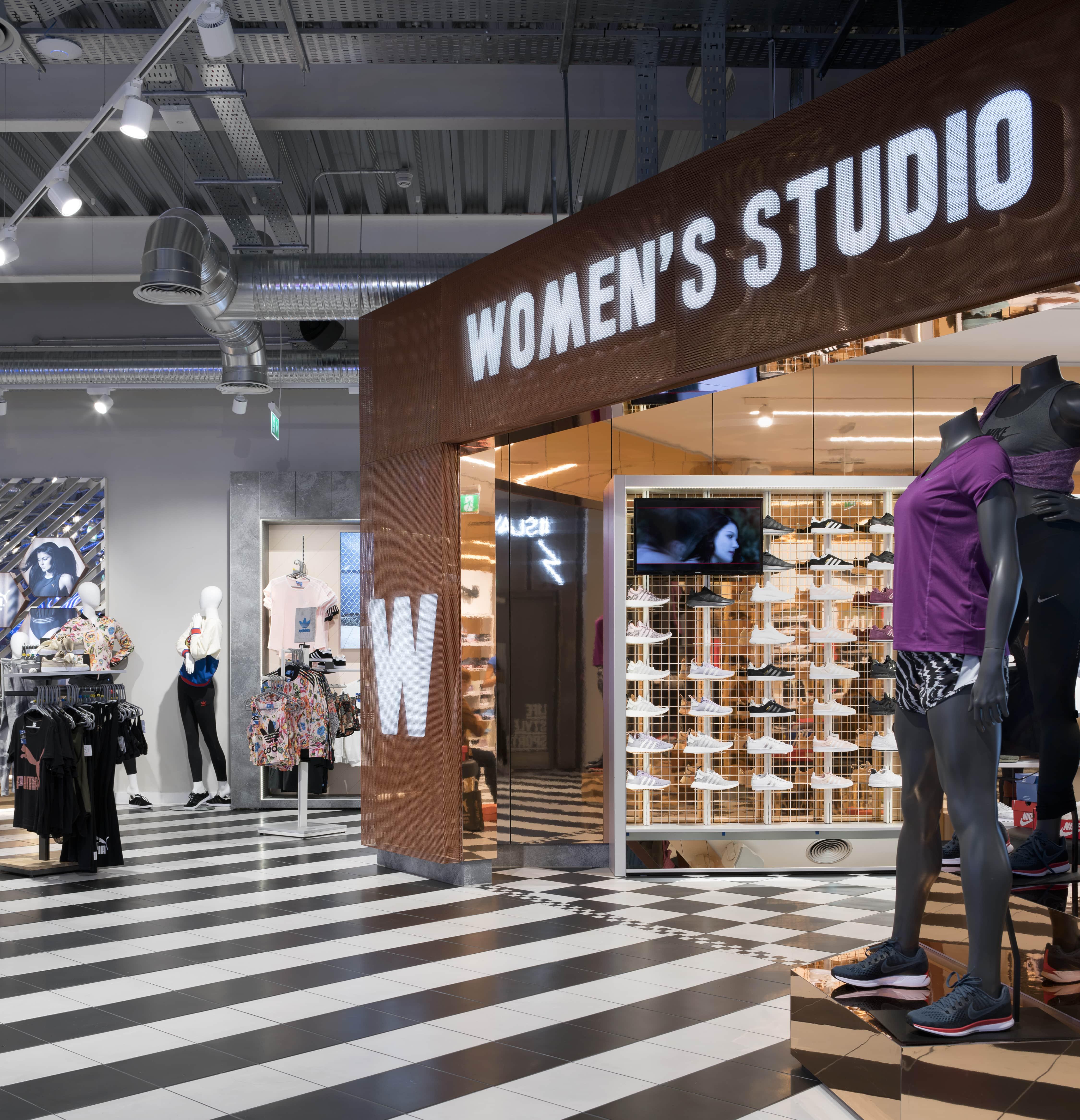 Life Style Sports Capitol Womens Studio