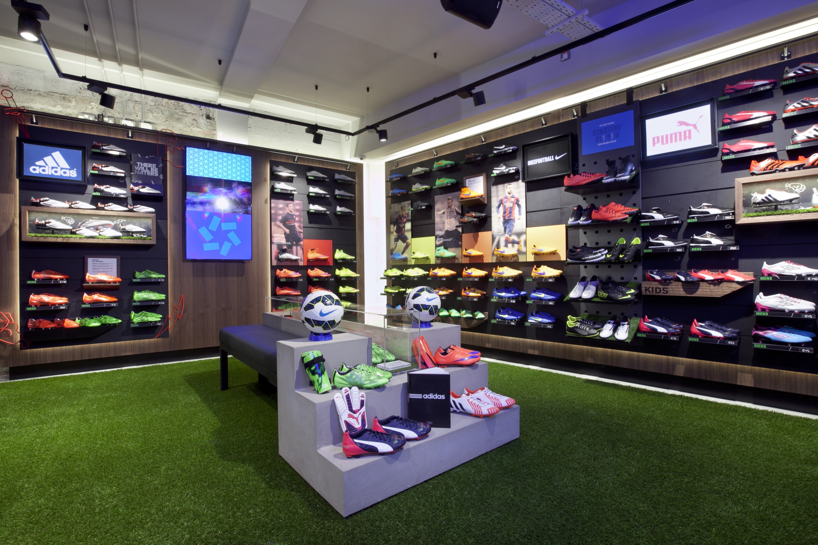Life Style Sports Grafton St Bootroom